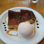 プリンツ - りんごのケーキとアイスクリーム