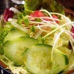 ビストロ鉄彩 - 小鉢のサラダ