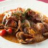 オステリア クワトロヴァッリ - 料理写真:無農薬野菜が彩る『瀬戸内海産天然活〆真鯛のアクアパッツア』