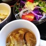 22314803 - スープ、サラダと鶏肉の柚子胡椒マヨ和えが付いてました