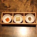 胡蝶庵 仙波 - 三種肴 (雲丹、豆腐よう、鮎のしぶうるか)