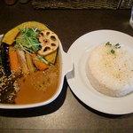 スープカレー oh!Range オレンジ - とろとろチキンと野菜(ライスLL) 950円