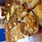 グランマ - たくさんのパン