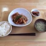 キッチンカズ - 鶏と豆腐のピリ辛野菜あんかけ 750円