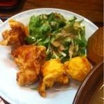 らーめん古潭 - ランチセットの鶏の唐揚げと海老天