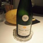 ラ・ビオグラフィ - グラスシャンパンも1,600円です。