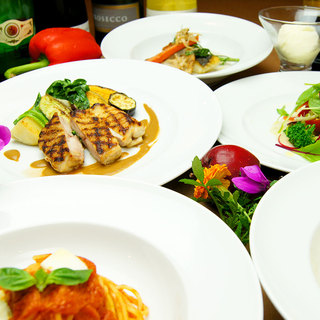 パスタリゾット魚肉料理と飲み放題がついて5,000円のコース