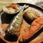 22335329 - 焼き魚3種盛り