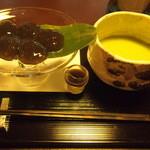 茶寮 宝泉 - わらび餅(950円)と抹茶(420円)