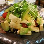 ○気 - 豆腐とアボカドのサラダ