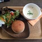 HanaCAFE nappa69 - 料理写真:季節のお料理クラムチャウダープレートです。