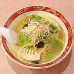 ラーメン まるいし - 野菜ラーメン(800円)
