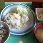 アイハウス - B定食(チキンソテー クリーム煮)