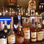 マリンナ - ウィスキーやブランデーがいっぱいのショットバーです♪