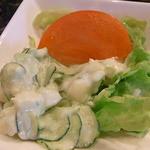 マリンナ - 胡瓜とポテトのサラダ、トマト、レタス♪