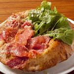 """アリアニコ - 他ではなかなか味わえない""""ボンバ""""PIZZAなのに中は空洞。一度お試しあれ◎"""