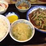 元祖赤のれん 節ちゃんラーメン - 2013.11.04 赤のれん レバニラ定食