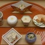 浜作 - ②突き出し やっぱり京都は器が美しい 味は普通