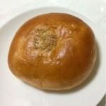 パン ド クエット - りんごあんぱん