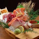 井川丸 - 旬の鮮魚にふんだんに使ったお造りも御用意してます