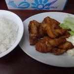麺厨房 - 唐揚げ定食:680円