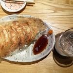 炭火串焼 白丸 - 料理写真:とり餃子、麦冠情け嶋546円