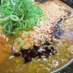 赤麺 梵天丸 - 激辛えびラー油かな?