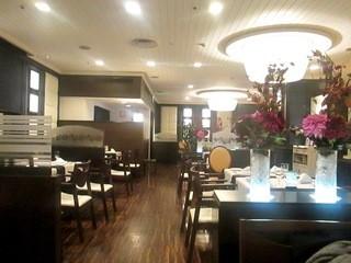 フレンチ&チャイニーズレストラン モンスレー - 伝統の店内