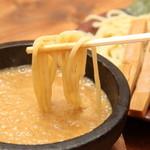竹本商店☆つけ麺開拓舎 - 濃度の高いスープは麺とのからみも抜群です