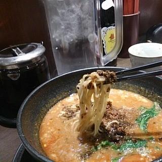 想吃担担面 - 料理写真:担々麺リフトアップ