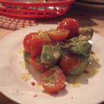 パーラー305 - アボガドとトマトのマリネ