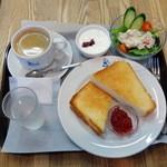 ベーカリー・グッドモーニング - 土日限定盤こんがりトーストセット(500円)