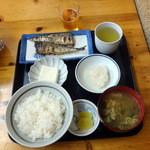 食堂三番 - サンマ塩焼き定食、半ライス50円引き750円