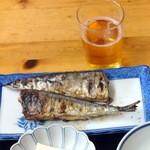 食堂三番 - サンマ塩焼きとビール
