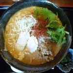 手打ちそば 福蔵 - タンタンめん 750円 (味噌味、辛味の軽い優しい味の担々麺。別添えでラー油付)