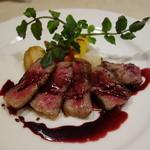 セントベーネ - 和牛のタリアータ・赤ワインソース