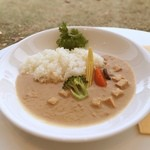 22381813 - 白山堅豆腐カレー                                              白い。