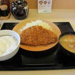 かつや - ロースカツ定食 724円
