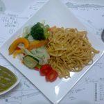 花&茶 - 料理写真:菜食パスタ  野菜をふんだんに添えた、女性向けのランチパスタ。野菜ソースでどうぞ。
