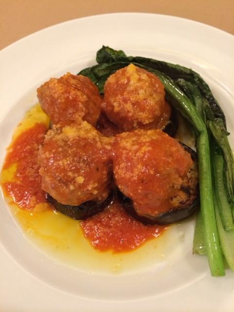ヴォーノミイナ加藤 - ポルペッティー(イタリア風ミートボール)と米茄子(この日は米茄子ではなく、立川産茄子)のステーキ 580円。