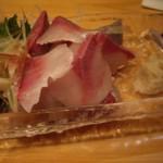 肴 - 料理写真:絶品の鯖の刺身!