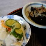 和洋食堂Ecru - 浅漬け、昆布の佃煮!小鉢も美味しいです!