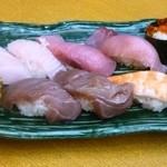 とみ家 - 握り寿司