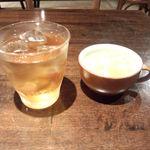 22404079 - お茶とスープ