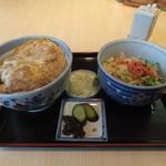 赤羽屋 - カツ丼セット990円
