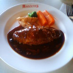 レストラン モントレー - ハンバーグ・ステーキ これにパンかライス、コーヒーが付いて2300円です。