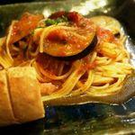 チーノ - 茄子とパンツェッタのトマトソースパスタ