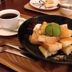 cafe JINA - 抹茶黒みつきなこトーストセット