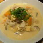 ボンマルシェ食堂 - 豚汁チーズ風味