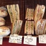 ヴェルデレガーロ - サンドイッチ。外軽く焼いてあります
